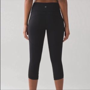 Lululemon leggings like new no pills or rips